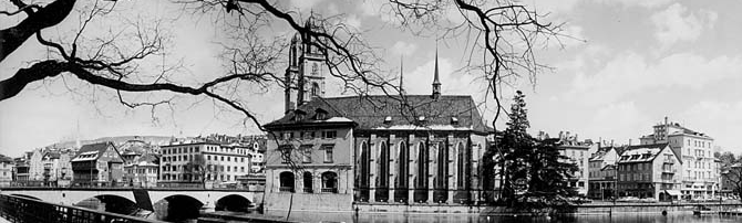 The old town of Zurich with the 'Water Church' (straight to start page)